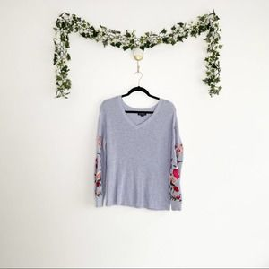 AMERICAN EAGLE Purple Sweater Floral Embroidery
